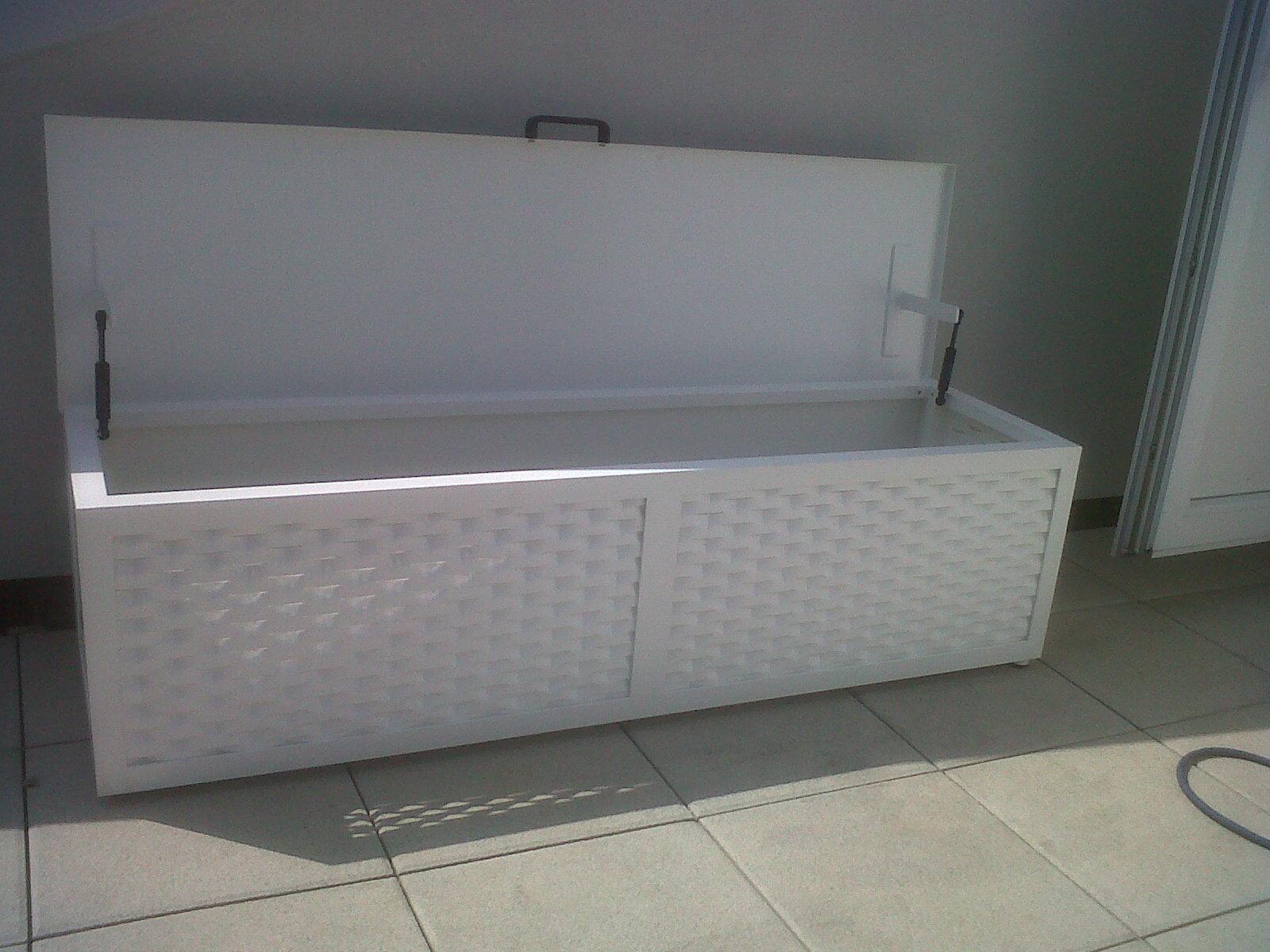 Mobili contenitori per esterno design casa creativa e for Armadi da giardino ikea