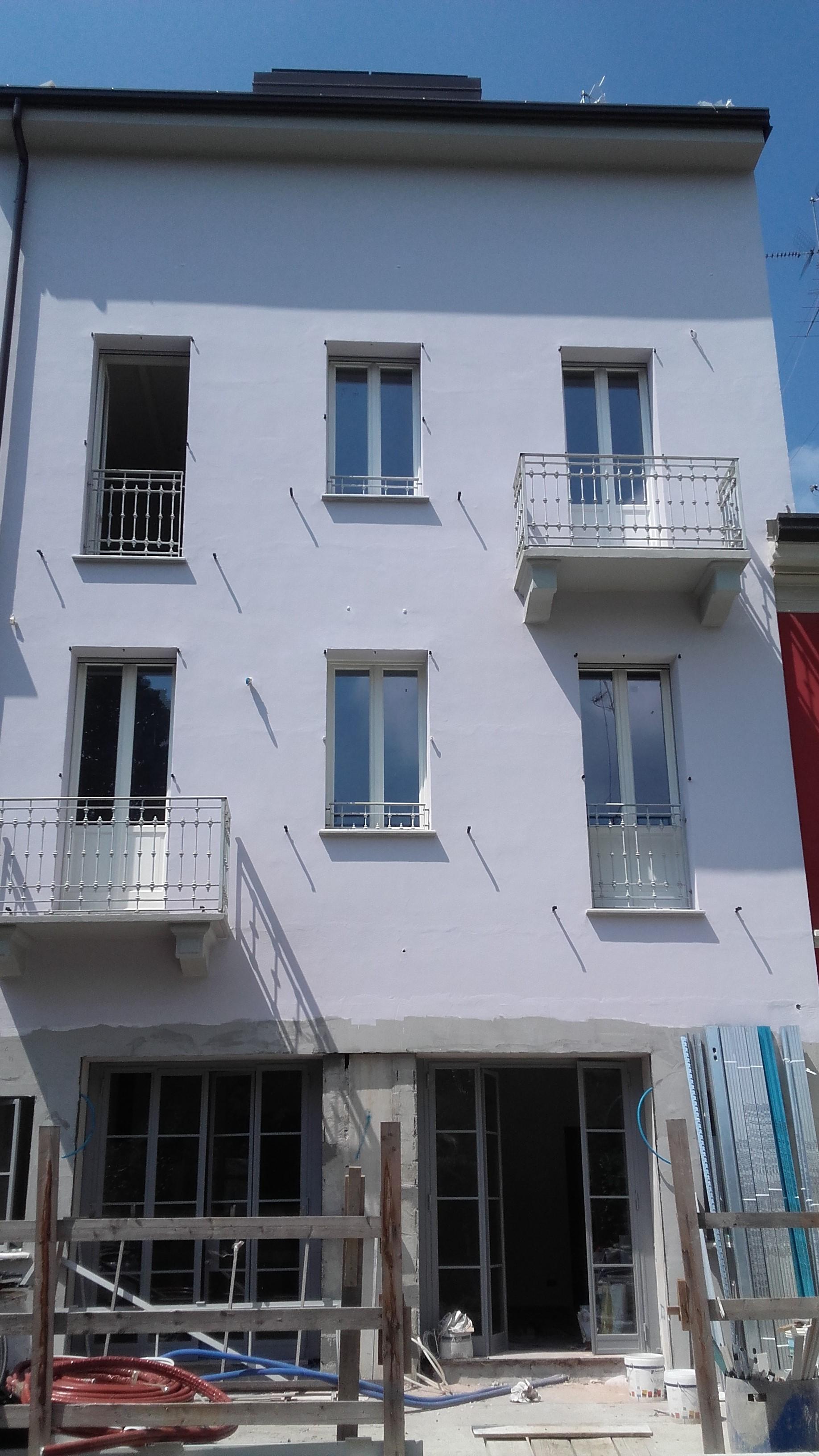 Parapetti per balconi e terrazze - MFS Carpenteria & Fabbro